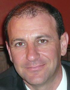 FOTO DR. GIL SALU